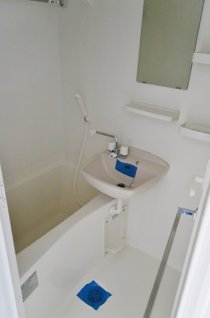 メゾン両国 205号室の風呂