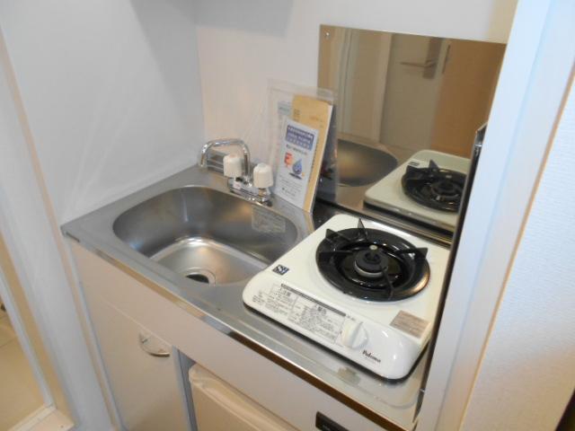 イーストフラッツ 304号室のキッチン