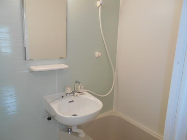 イーストフラッツ 304号室の風呂