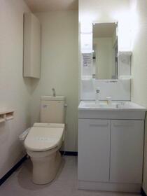 シャンポール梅澤 302号室のトイレ