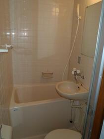 オムサヴァイセキ 104号室の風呂