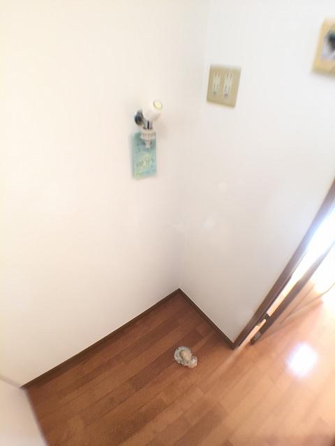 ラジェルスアオト 103号室のトイレ