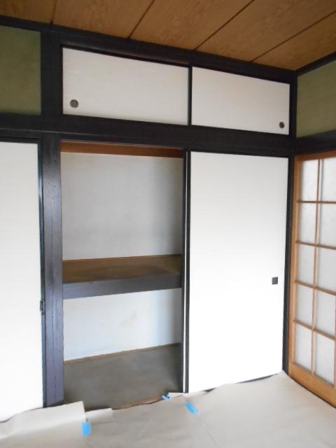 第2高橋アパ-ト 103号室の収納