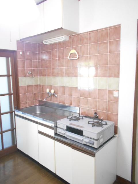 レオハイツ 110号室のキッチン