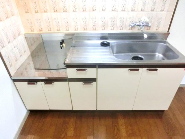 リレント谷塚テラスハウスのキッチン