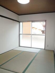 八葉コーポ 105号室の居室