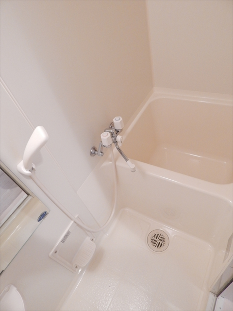 プラム春日部 703号室の風呂