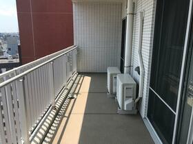 ロワール横濱レムナンツ 1303号室のバルコニー