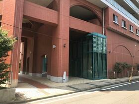 ロワール横濱レムナンツ 1303号室のエントランス