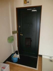 ハイツスズキ 103号室の玄関