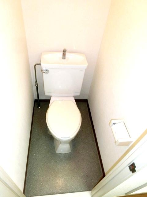 モデーロ花栗 205号室のトイレ