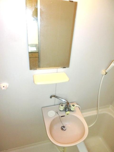 モデーロ花栗 205号室の洗面所