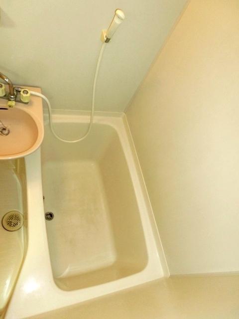 モデーロ花栗 205号室の風呂