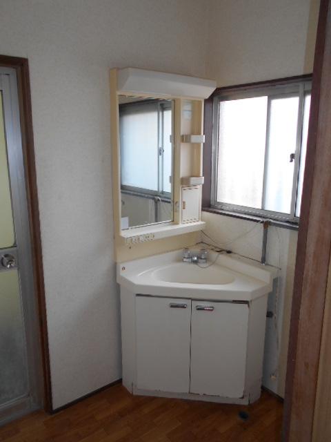 柴田貸家の洗面所