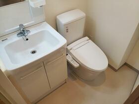 レーヴ・ド・クレエ綾瀬 505号室のトイレ