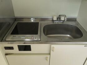 遠山ビル 303号室のキッチン