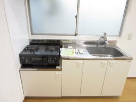 深雪アパート 2F号室のキッチン