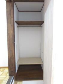 深雪アパート 2F号室の収納