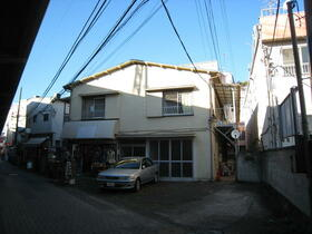 鈴木荘の外観