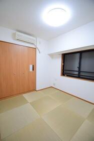 フローレンスパレス御茶ノ水フィアンコ 201号室のリビング