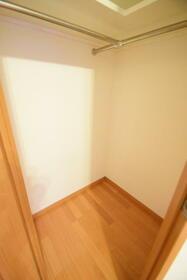 フローレンスパレス御茶ノ水フィアンコ 201号室の収納
