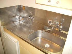 プラザ ドゥ トゥイル 101号室のキッチン