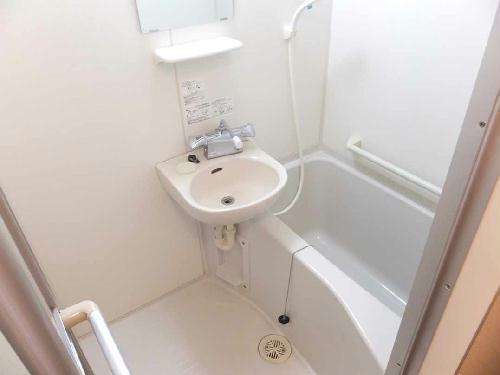 レオパレスメルベーユ泉 206号室の風呂