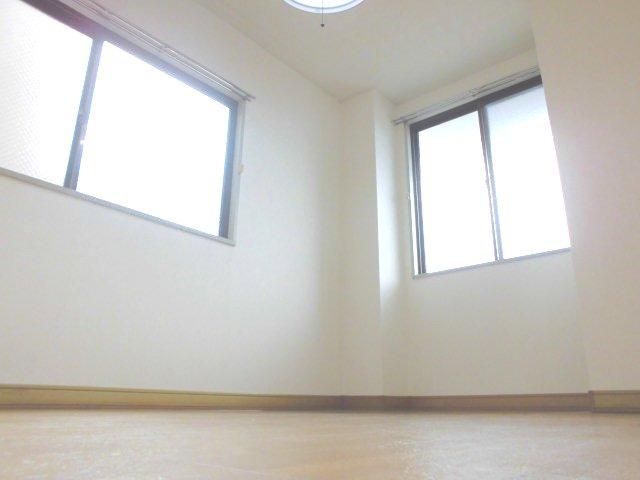 勝木コーポ 203号室の居室