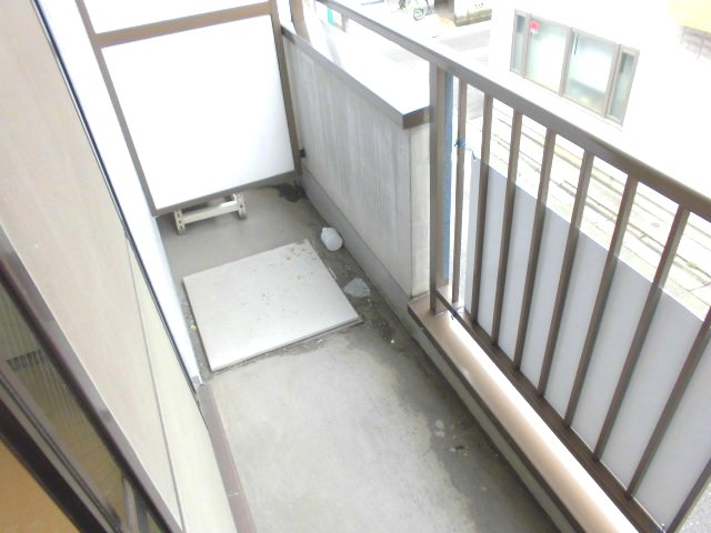 勝木コーポ 203号室のバルコニー