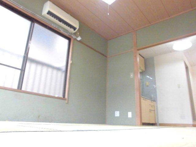 勝木コーポ 203号室のリビング