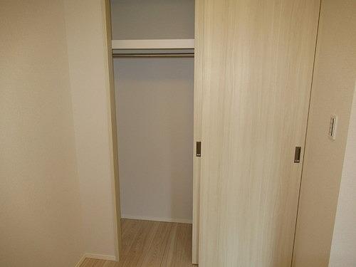 リビオレゾン上野 402号室の収納