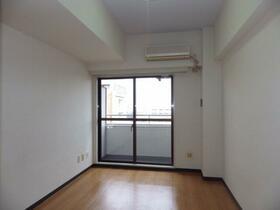 パレ・ドール文京メトロプラザⅠ 812号室のリビング