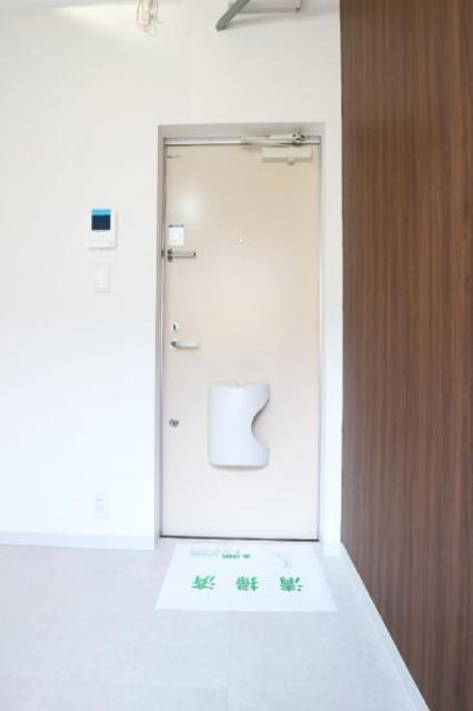 R-STYLE竹ノ塚 1st 205号室の玄関