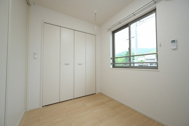 グラン ベルデB 02030号室の居室