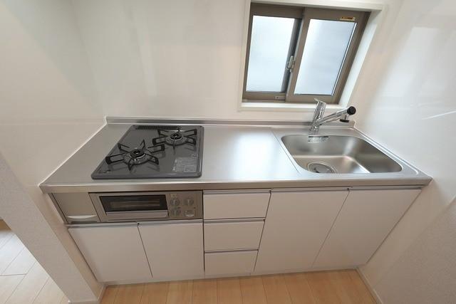 グラン ベルデB 02030号室のキッチン