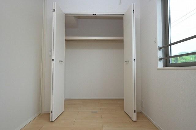 グラン ベルデB 02030号室の収納