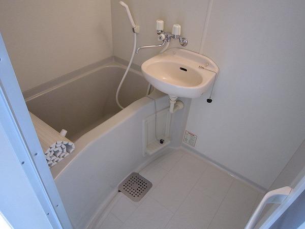 J・フローレ 202号室の風呂