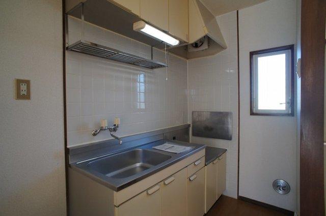 グリーンゲイブル 02020号室のキッチン