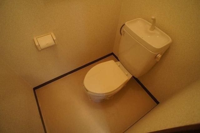 グリーンゲイブル 02020号室のトイレ