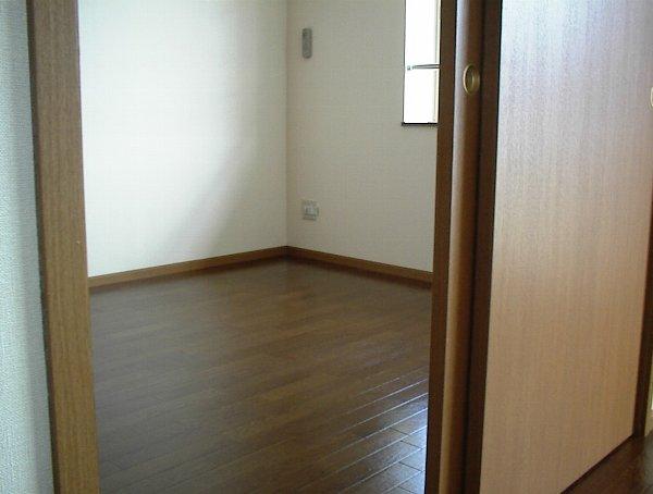 グリーンゲイブル 02020号室の居室