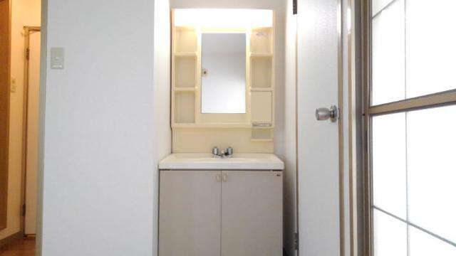 リバーサイド中川B 01020号室の洗面所