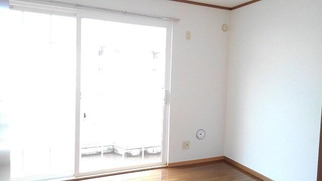 サンフラワーPartⅠ 01030号室のリビング