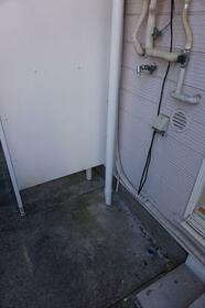 メゾン・ドモ 0108号室の玄関