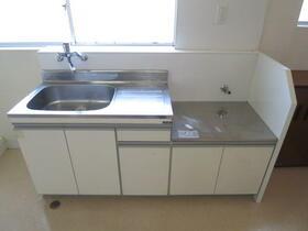 松本マンション 302号室のキッチン