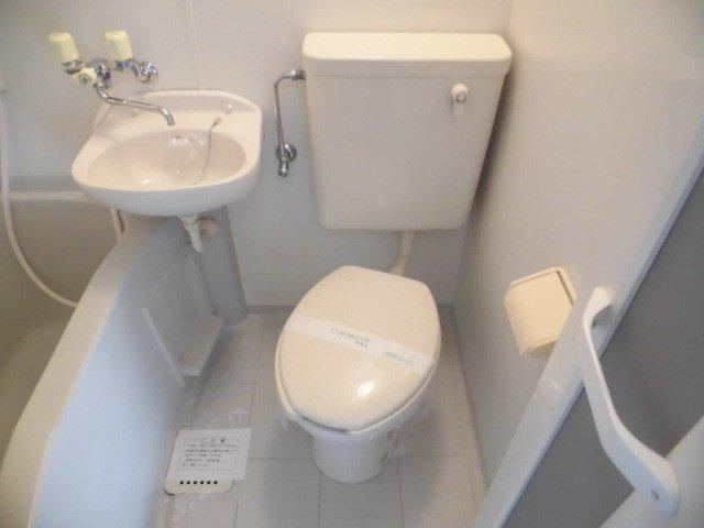 カーサ1/F 202号室のトイレ
