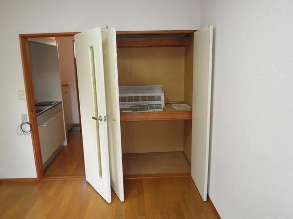 ハイツアカシア 201号室の収納
