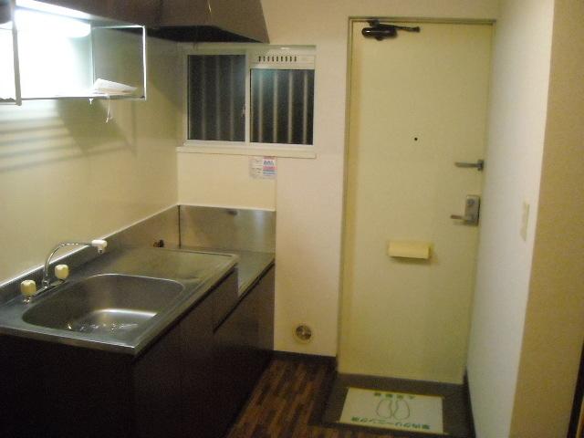 ラキアン シナール 203号室のキッチン
