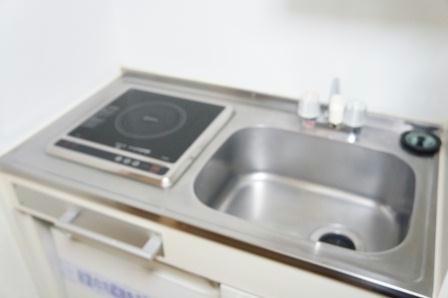 レオパレスT.HOUSE 201号室のキッチン