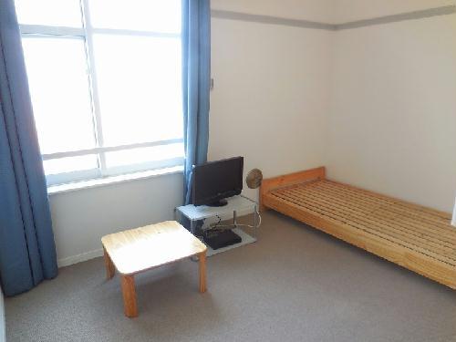 レオパレスクラージュ 201号室の居室