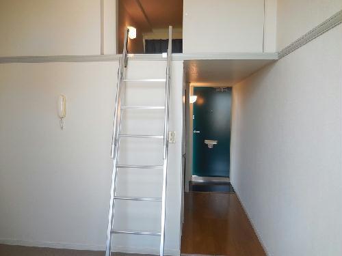 レオパレスクラージュ 204号室の居室